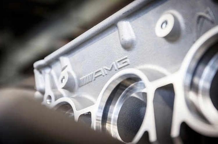 Mercedes thay động cơ mới thách thức Nissan GTR - 6
