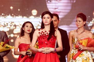 Trương Quỳnh Anh bất ngờ xuất hiện giữa bão hôn nhân