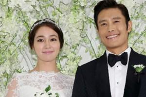 Vợ Lee Byung Hun bất ngờ tuyên bố mang bầu 7 tháng