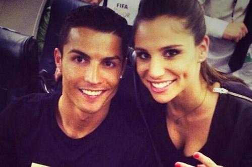 Quên tình cũ, Ronaldo vui vẻ bên bồ mới - 1