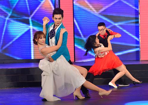 Hari Won mặc váy xẻ ngực, hát nhảy gợi cảm - 3