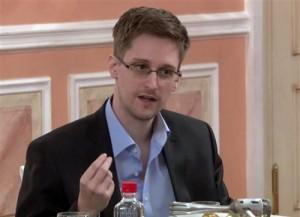 Lộ lý do Edward Snowden không dùng điện thoại iPhone