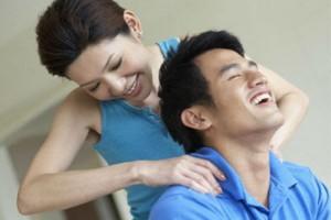 """10 cách để có buổi """"hẹn hò"""" lãng mạn ngay tại nhà"""