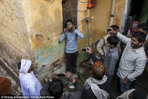 Cậu bé Ấn Độ chịu được dòng điện 11 nghìn Vôn - 4