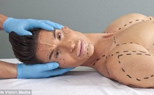 Chàng búp bê sống với 190 ca phẫu thuật