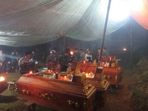 Tai nạn thảm khốc, 9 người chết: Đại tang ở quê nghèo | anninhhinhsu