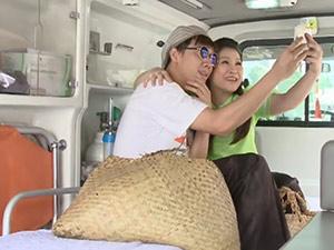 """Hài Trấn Thành: Chụp hình cùng """"siêu xe"""""""