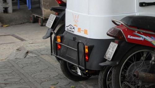 Ôtô điện 50 triệu không cần đăng ký tung hoành Sài Gòn - 1