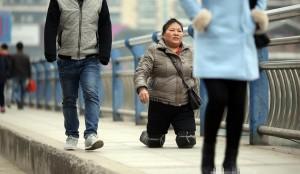 Nghị lực phi thường của người phụ nữ mất chân
