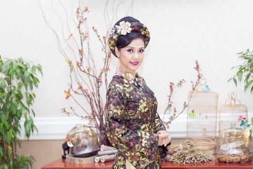 Việt Trinh hóa bà hoàng quyền lực mùa Xuân - 3