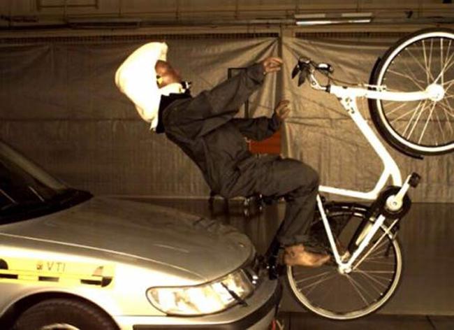 """Tai nạn """"khó đỡ"""" của các tổ lái """"xe đạp"""" - 8"""