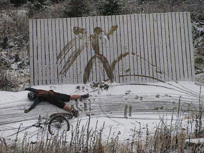Những pha tai nạn xe đạp khó đỡ - 9
