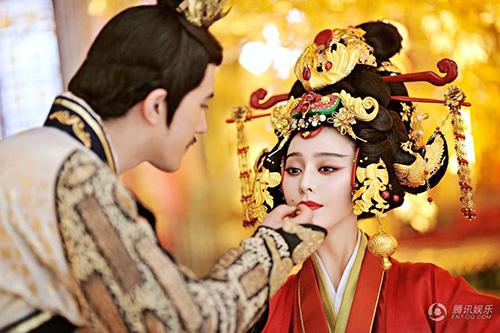 Cảnh đăng cơ Hoàng Hậu hoành tráng của Võ Mỵ Nương - 1