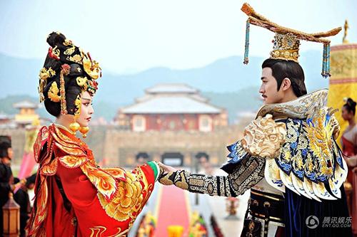 Cảnh đăng cơ Hoàng Hậu hoành tráng của Võ Mỵ Nương - 2