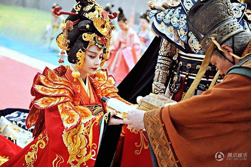 Cảnh đăng cơ Hoàng Hậu hoành tráng của Võ Mỵ Nương - 8