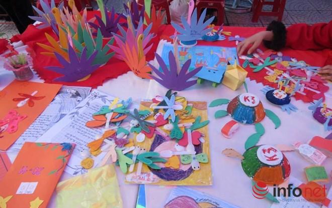 Cô giáo trẻ sáng tạo đồ chơi độc đáo từ những thứ vứt đi - 5