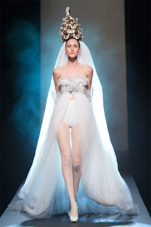 Cô dâu lập dị và vui nhộn của Jean Paul Gaultier - 1