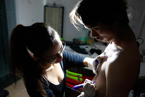 Trắng đêm cùng nữ thợ xăm nghệ thuật Hà thành - 2