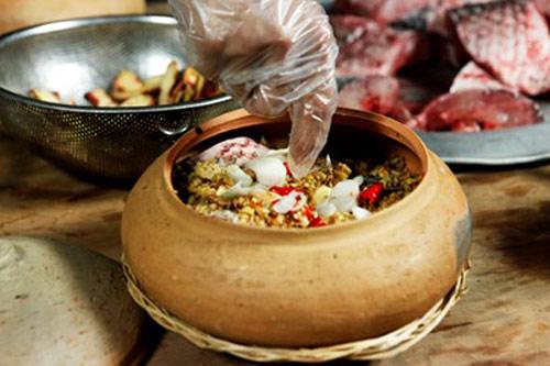 Nức tiếng món cá kho niêu cổ truyền ở làng Vũ Đại - 7