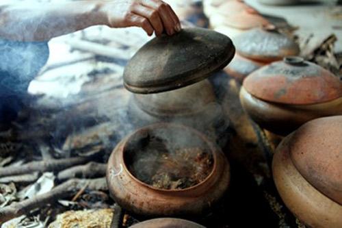 Nức tiếng món cá kho niêu cổ truyền ở làng Vũ Đại - 1