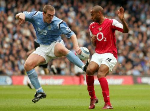 """10 cầu thủ """"xấu chơi"""" nhất lịch sử Premier League - 1"""