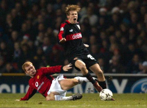 """10 cầu thủ """"xấu chơi"""" nhất lịch sử Premier League - 4"""