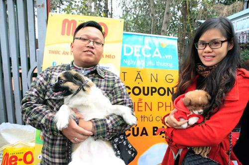 Hàng trăm bạn trẻ HN đưa chó, mèo đi khám bệnh miễn phí - 4
