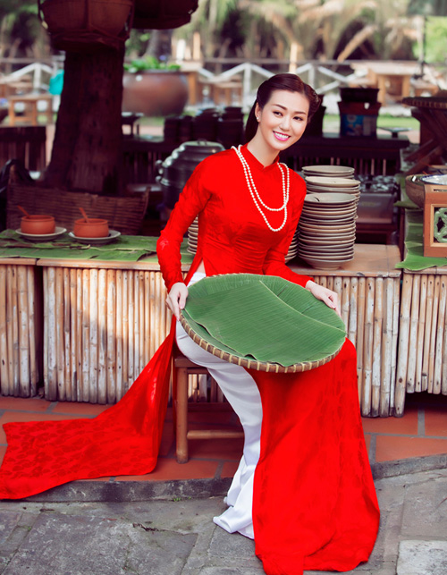 Mỹ nhân Việt nô nức mặc áo dài chào Xuân Ất Mùi - 11