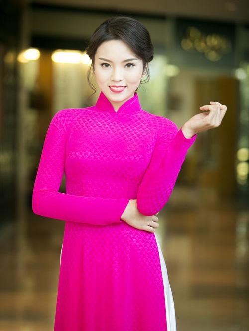 Mỹ nhân Việt nô nức mặc áo dài chào Xuân Ất Mùi - 6