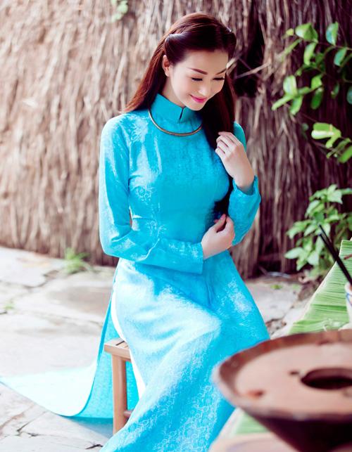 Mỹ nhân Việt nô nức mặc áo dài chào Xuân Ất Mùi - 10