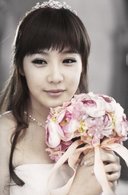 Top 10 sao nữ Kpop mặc váy cưới đẹp nhất - 8