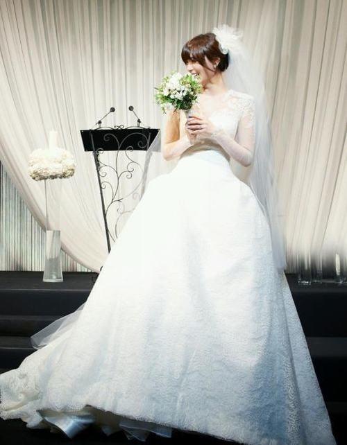 Top 10 sao nữ Kpop mặc váy cưới đẹp nhất - 9