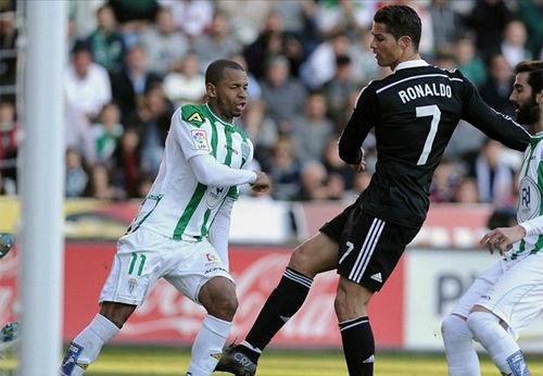 Tâm lý chiến: Ronaldo chẳng thề bì được với Messi - 1