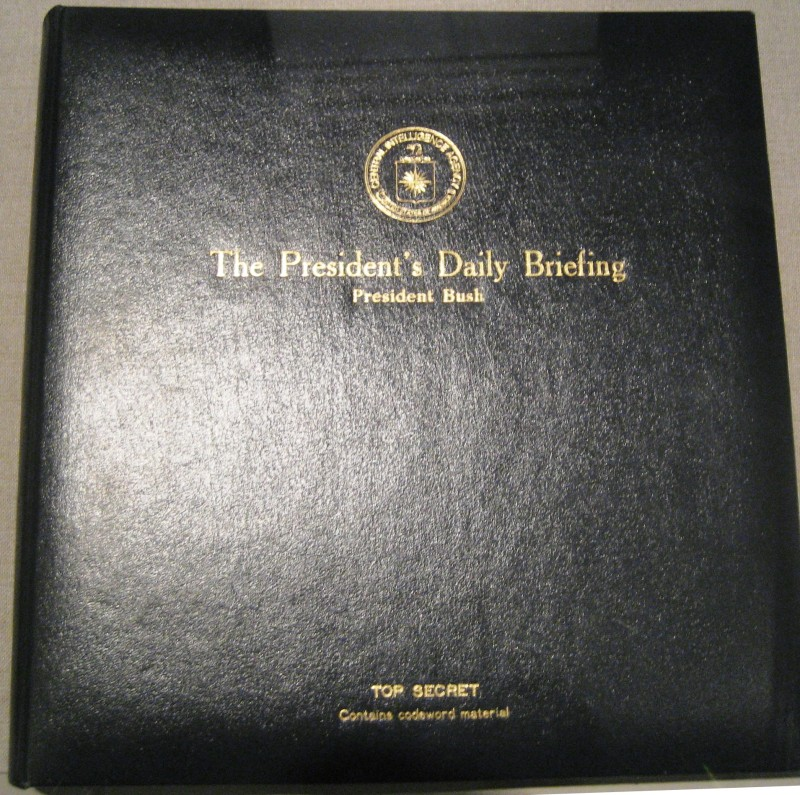 """Obama có gì trong """"cuốn sách đầy chết chóc""""? - 2"""