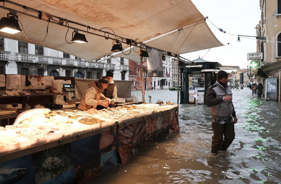 """Chùm ảnh: """"Thành phố tình yêu"""" Venice mùa nước nổi - 6"""