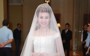Ngân Khánh đẹp ấn tượng với váy cưới gần 200 triệu