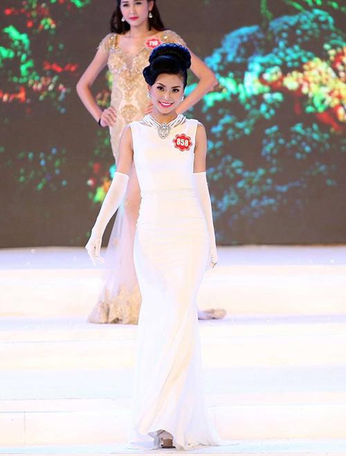 """Á hậu Diễm Trang: """"Không phải nô lệ của hàng hiệu!"""" - 2"""