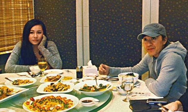 """Châu Tinh Trì """"bị tóm"""" đi ăn với phụ nữ lạ - 1"""
