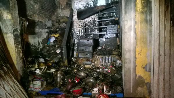Cà Mau: Cháy lớn tại công ty điện máy - 2