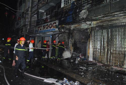 Cà Mau: Cháy lớn tại công ty điện máy - 1