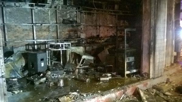 Cà Mau: Cháy lớn tại công ty điện máy - 3