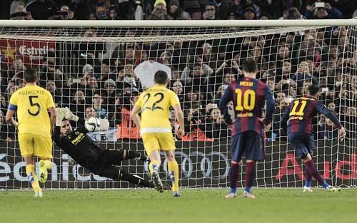 Enrique lên tiếng việc Neymar tranh đá 11m với Messi - 1
