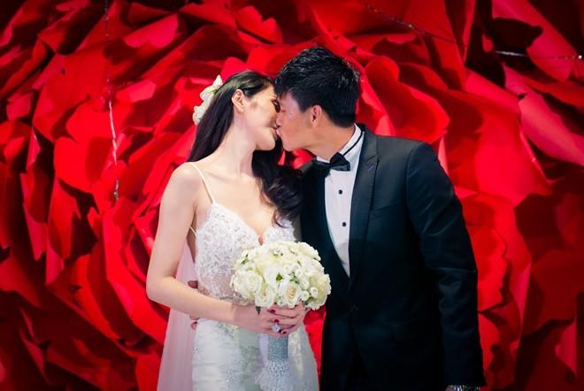 Khoảnh khắc khó quên trong đám cưới của sao Việt - 6