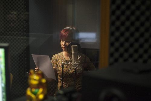 Uyên Linh rạng rỡ thu nhạc phim cho Bằng Kiều - 2