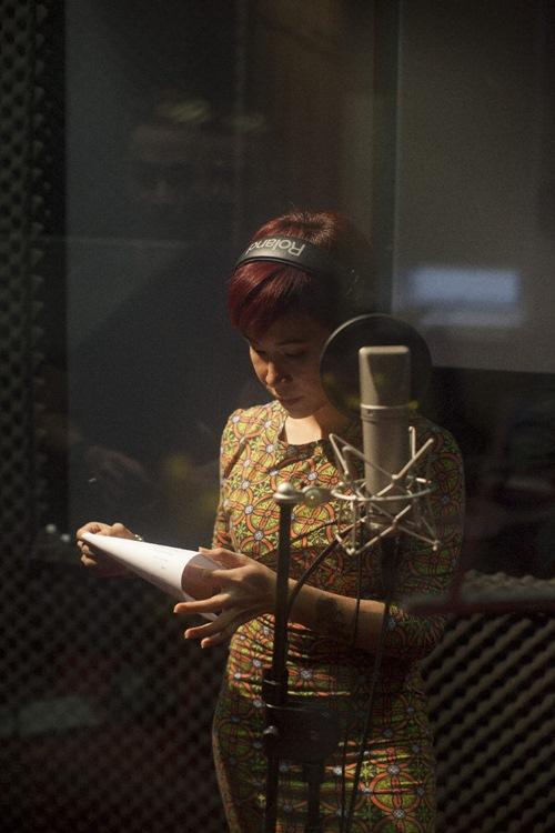 Uyên Linh rạng rỡ thu nhạc phim cho Bằng Kiều - 6