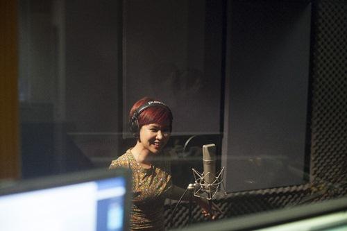 Uyên Linh rạng rỡ thu nhạc phim cho Bằng Kiều - 8
