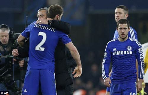 "Mourinho ""khen"" trọng tài, lo cho Ivanovic - 1"