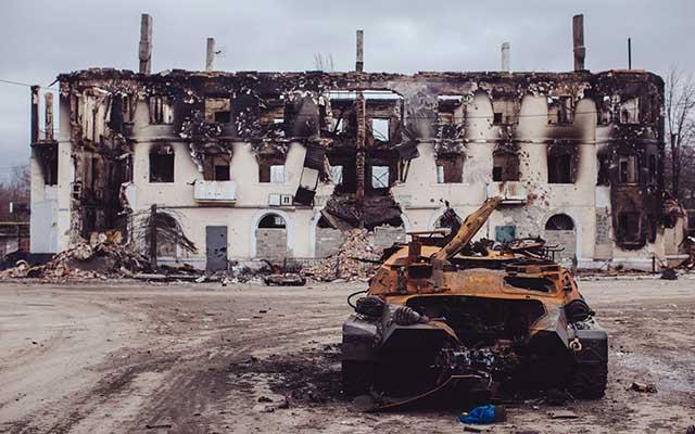 """Ukraine: Ảnh """"Chiến tranh là địa ngục"""" gây ám ảnh - 5"""