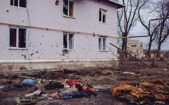 """Ukraine: Ảnh """"Chiến tranh là địa ngục"""" gây ám ảnh - 6"""
