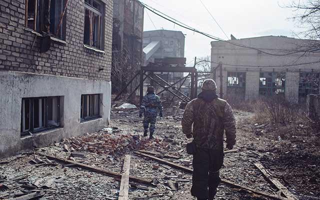 """Ukraine: Ảnh """"Chiến tranh là địa ngục"""" gây ám ảnh - 10"""